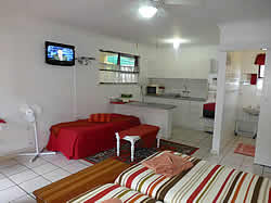 Lekkerbly Guest House Accommodation  option of self-catering or B&B accommodation in Bellville