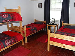 Sunbird Backpackers & Accommodation can accommodate 24 people and is ideally located for backpackers and travellers exploring Oudtshoorn
