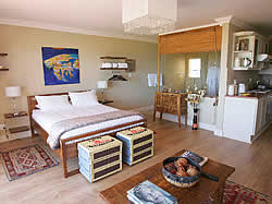 Affordable, comfortable, sea front B&B accommodation in Cape Town.