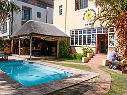 A Sunflower Stop is situated in a prime location giving you easy access to the best that Cape Town has to offer